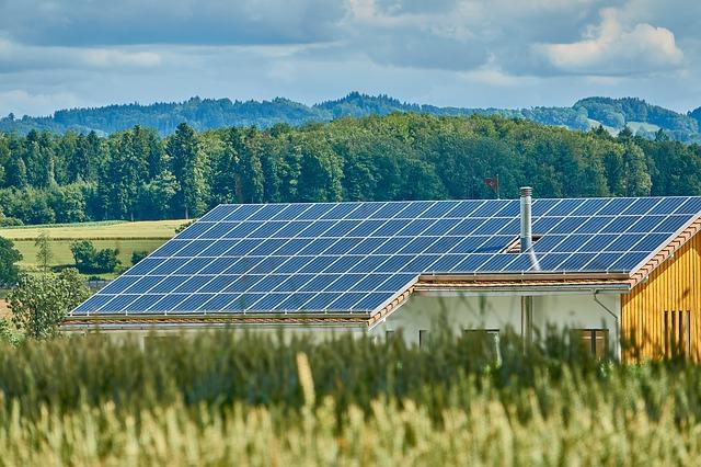 Le marché du solaire en France : des ambitions pour 2030 malgré un retard pour 2020