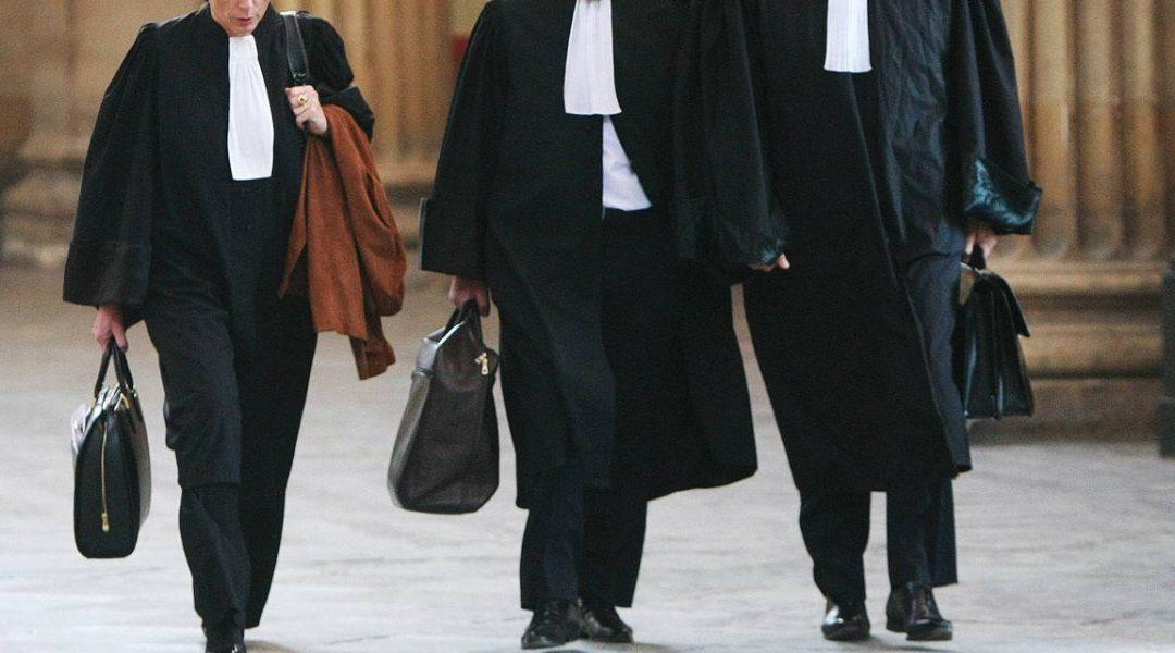 Quelles différences entre un avocat indépendant, salarié et collaborateur ?